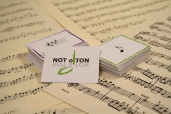 Kortspelet NOT o TON är ett memoryinspirerat musikteorispel för barn och ungdomar och finns i 11 olika varianter.